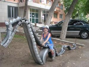 детская площадка из старых шин