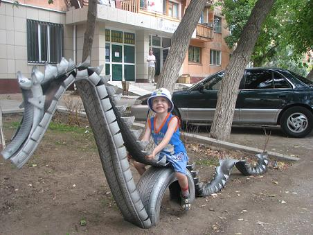 детская площадка из старых шин. что можно сделать из старых шин.