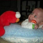 новорожденный удивился