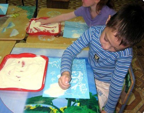 чем занять малыша - рисуем манкой