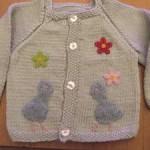 вязанная кофточка для новорожденного