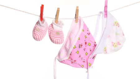 Как правильно стирать белье для новорожденных
