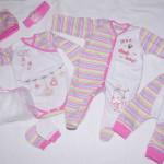 Комплект розовый: боди, ползунки, слип, шапочка, царапки, юбочка и ленточка для красоты. Автор костюма: Nadin Hope