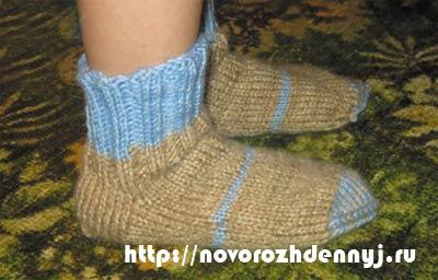 как связать носки спицами для ребенка