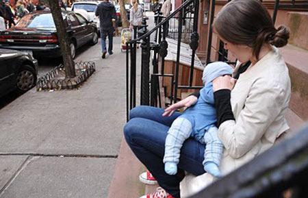 кормление грудью в общественных местах