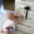 безопасность детей в квартире