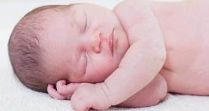 у новорожденного шелушится кожа