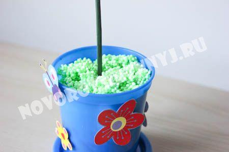 детская поделка Цветок на 8 марта