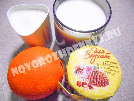 молочный коктейль с йогуртом и апельсином