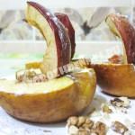 печеные яблоки в духовке для детей с медом и орехами
