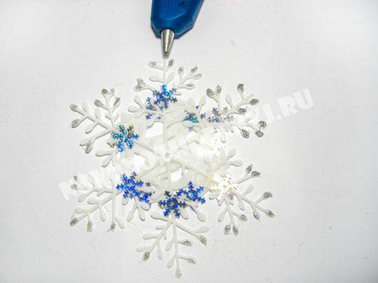 ukrashen-snezhinki-15