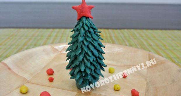 елка из пластилина