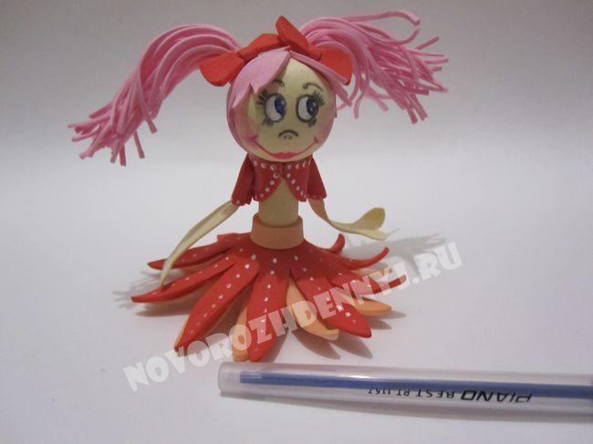 куколка из фоамирана на ручку